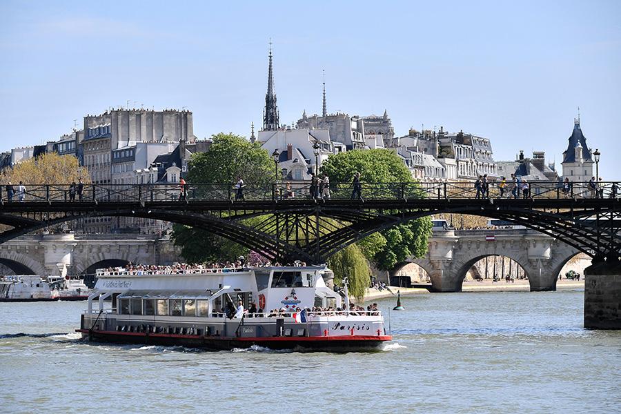 Речной круиз в Париже, Франция
