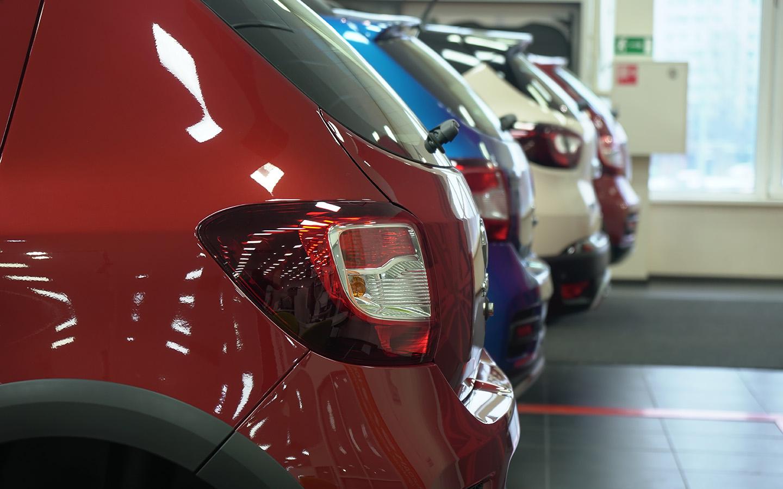 <p>В первом полугодии 2021 года продажи новых автомобилей и легких коммерческих автомобилей выросли на 36,9% по сравнению с аналогичным периодом 2020 года. Всего было продано 870&nbsp;749 автомобилей.</p>