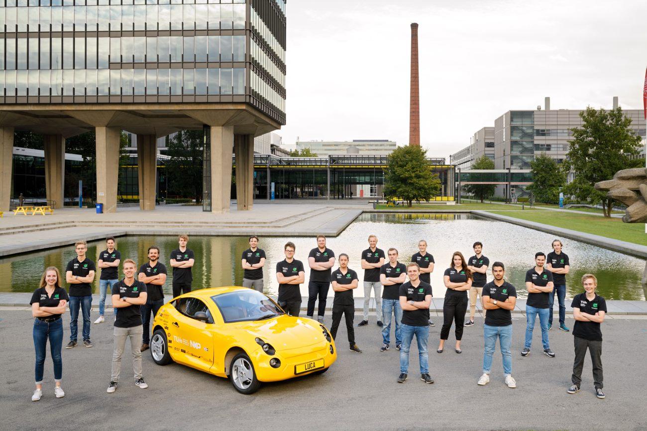 Команда студентов, разработавшая электромобиль «Лука»
