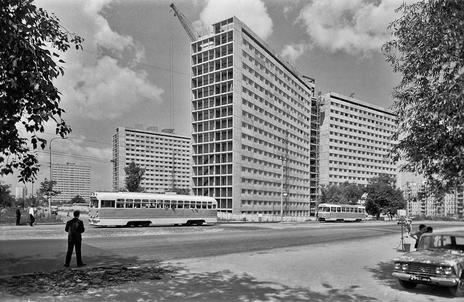 Улица Телевидения в микрорайоне Новые Черемушки. 1969 год