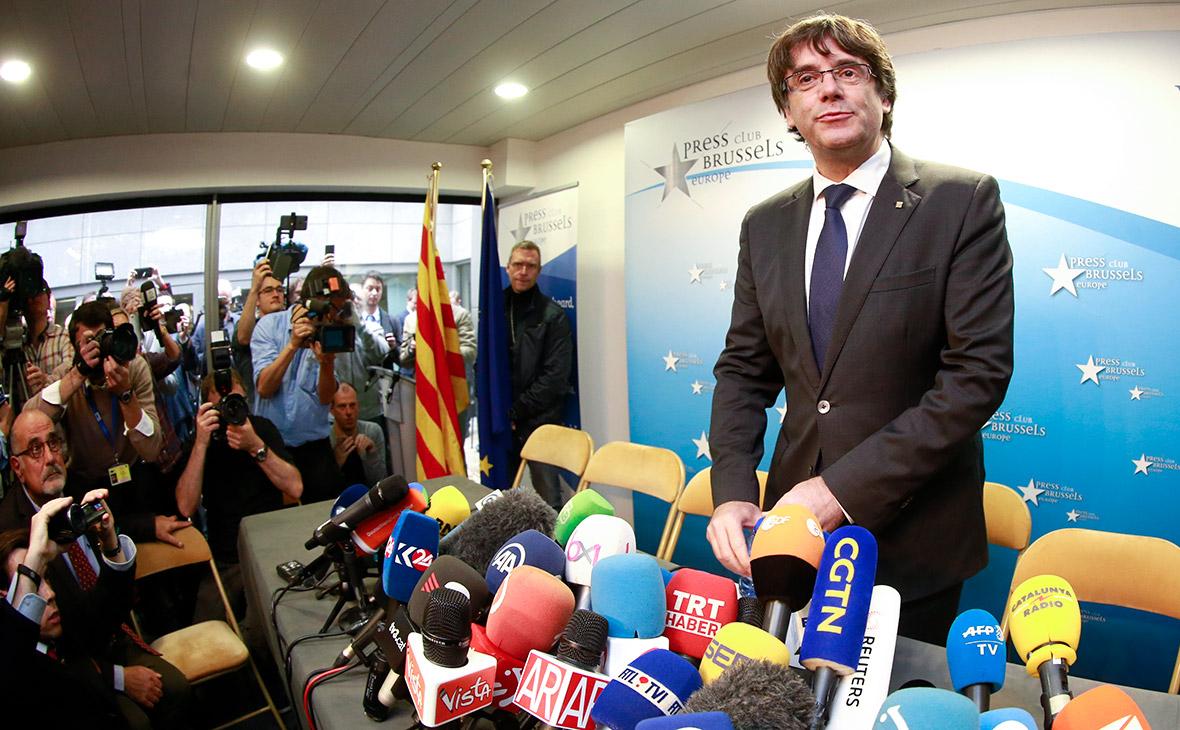 Лидер Каталонии Пучдемон сдался бельгийской полиции
