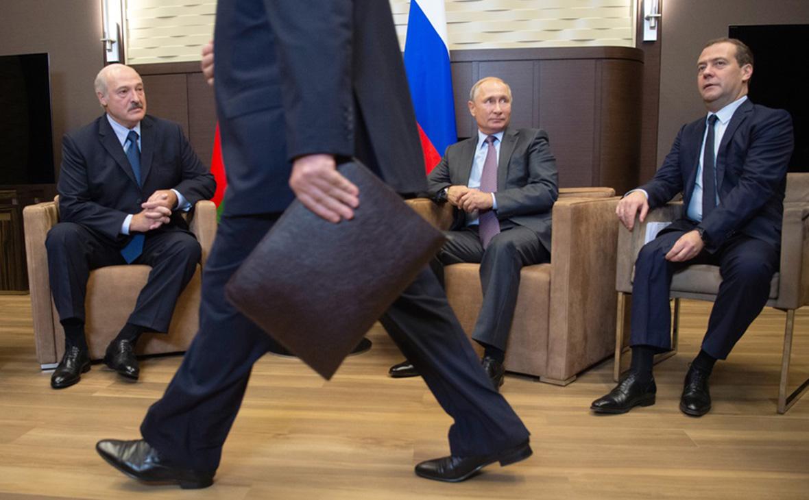 Александр Лукашенко, Владимир Путин и Дмитрий Медведев (слева направо)