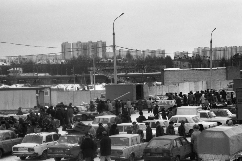 Авторынок в Солнцеве. 1993 год