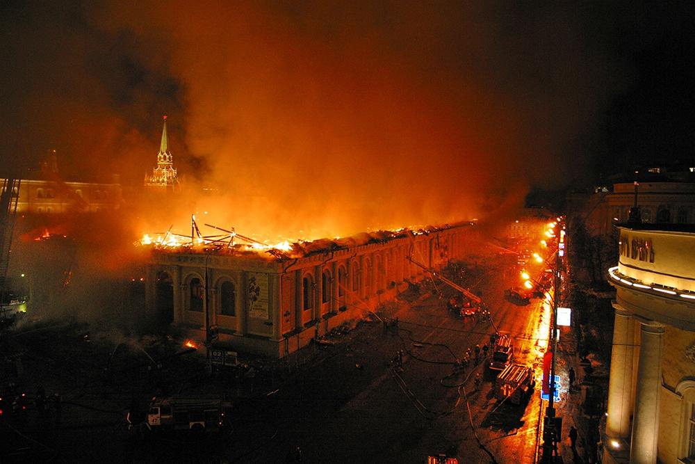 Манеж построен в 1817 г. по случаю пятилетней годовщины победы России в Отечественной войне 1812 г.