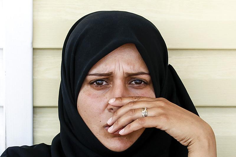 Одной изглавных тем прошедшей 71-й сессии Генассамблеи ООН стал конфликт вСирии иситуация сбеженцами. «Хотя многие конфликты причиняют огромную боль, ниодин изних непривел ктакому количеству жертв, разрушениям иповсеместной нестабильности, каквойна вСирии»,— заявил напресс-конференции Пан Ги Мун.  На фото: женщина влагере длябеженцев натурецко-сирийской границе впровинции Килис, 22 июля 2012 года