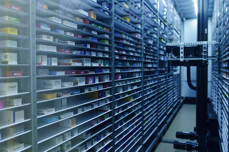 Лекарства  В январе 2017 года ФАС опубликовала информацию окартельном сговоре компаний ООО«БСС» иООО«АМТ», участвовавших вгосзакупках лекарств. В общей сложности компании выиграли более 100 аукционов насумму более 414 млн руб., приэтом снижение цен было минимальным. Петербургская фармацевтическая компания БССявляется одним изпяти главных поставщиков государственных учреждений всфере здравоохранения. В октябре 2016 года ФАС уже называла ее участником картельного сговора. На 2017год, поданным портала госзакупок, ООО«БСС» уже заключило госконтрактов напоставку медикаментов насумму более 37 млн руб. Самый крупный изних— контракт напоставку лекарств государственной аптечной сети МУП «Фармация» вКарелии на25 млн руб.