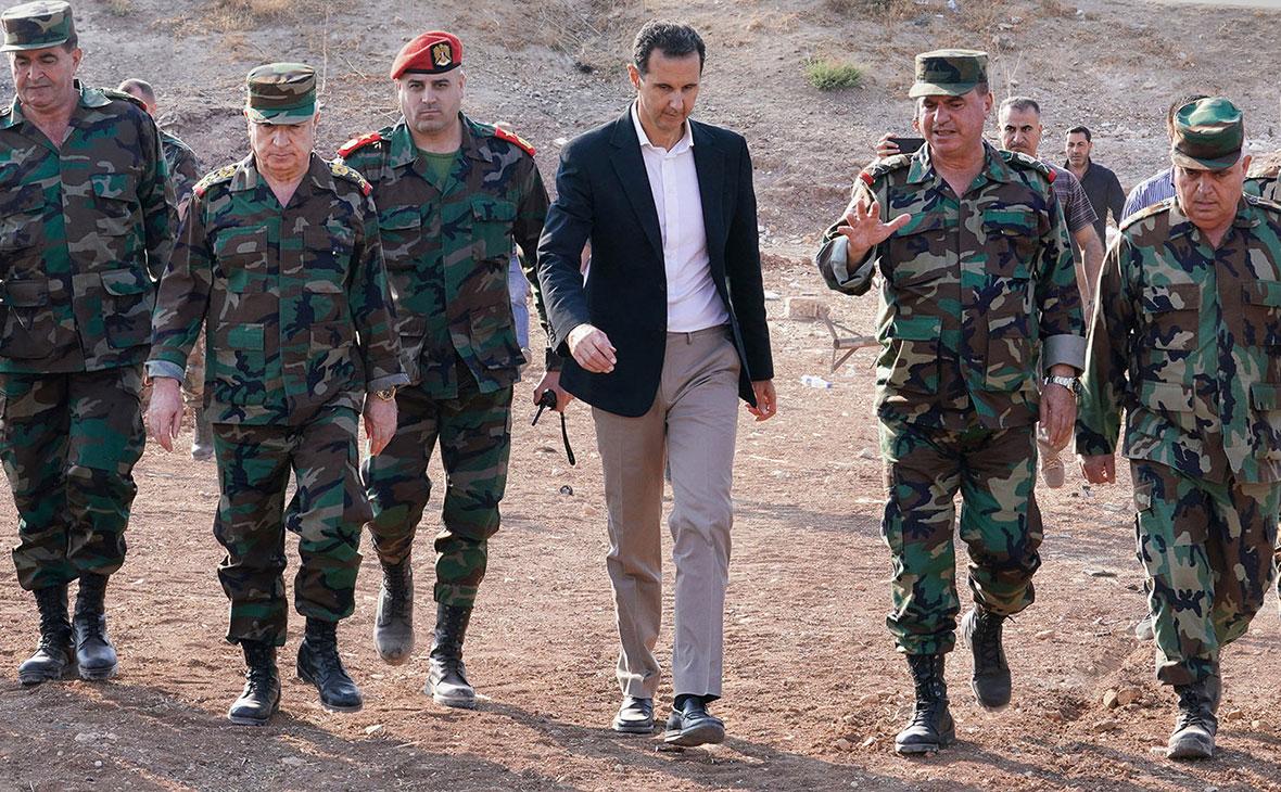 Башар Асад на военной базев городе Хабит в сельской местности провинции Идлиб