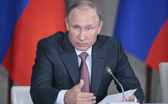 Президент России Владимир Путин во время заседания президиума Государственного совета, посвященного развитию туризма в Российской Федерации