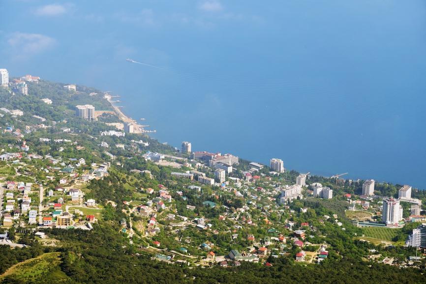 Богатые россияне станут проводить отпуск в Крыму и Сочи вместо Лазурного берега Франции?
