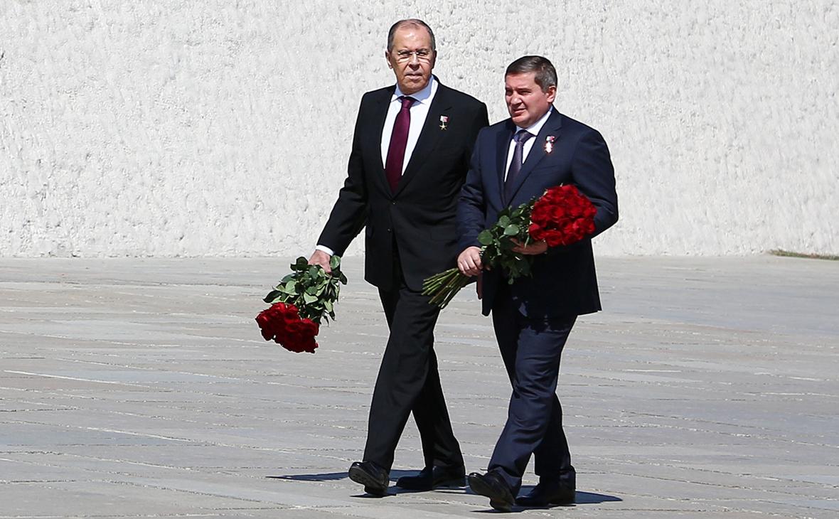 Сергей Лавров и губернатор Андрей Бочаров (слева направо)