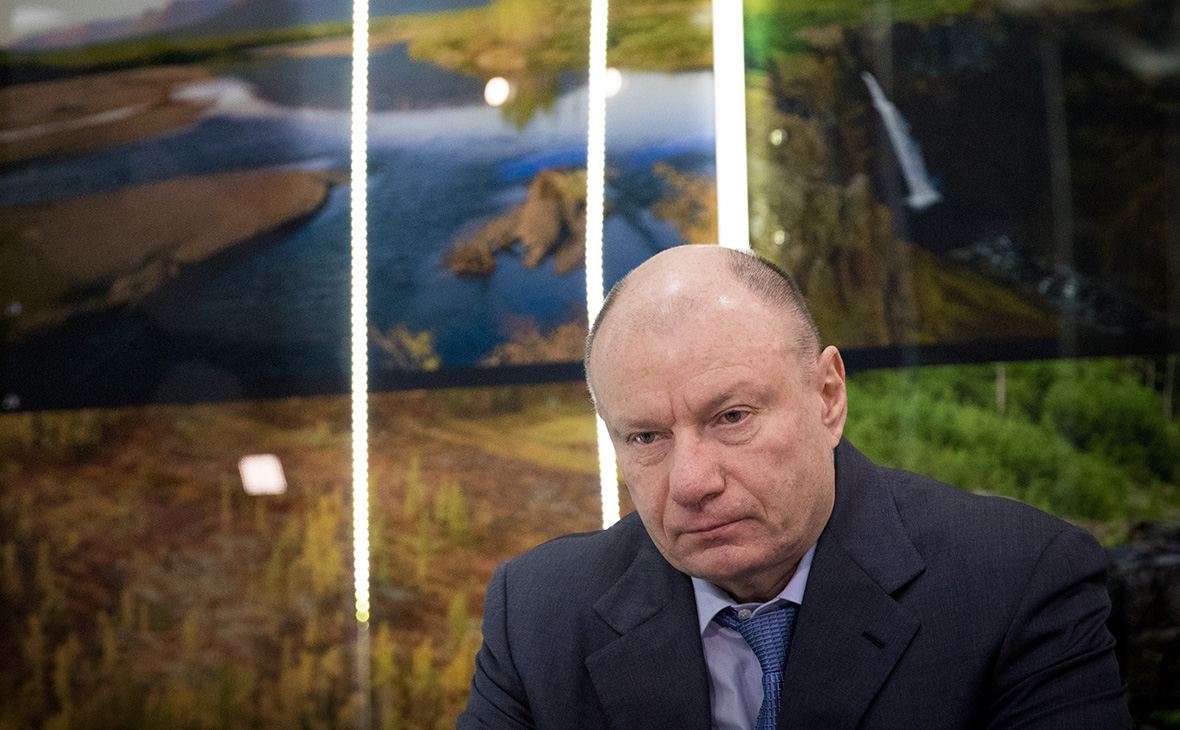 Потанин и Абрамович потребовали у Дерипаски залог $500 млн