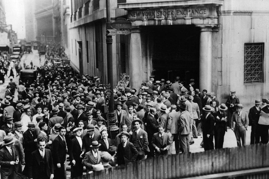 Толпы на Уолл-стрит около Нью-Йоркской фондовой биржи, 1929 год