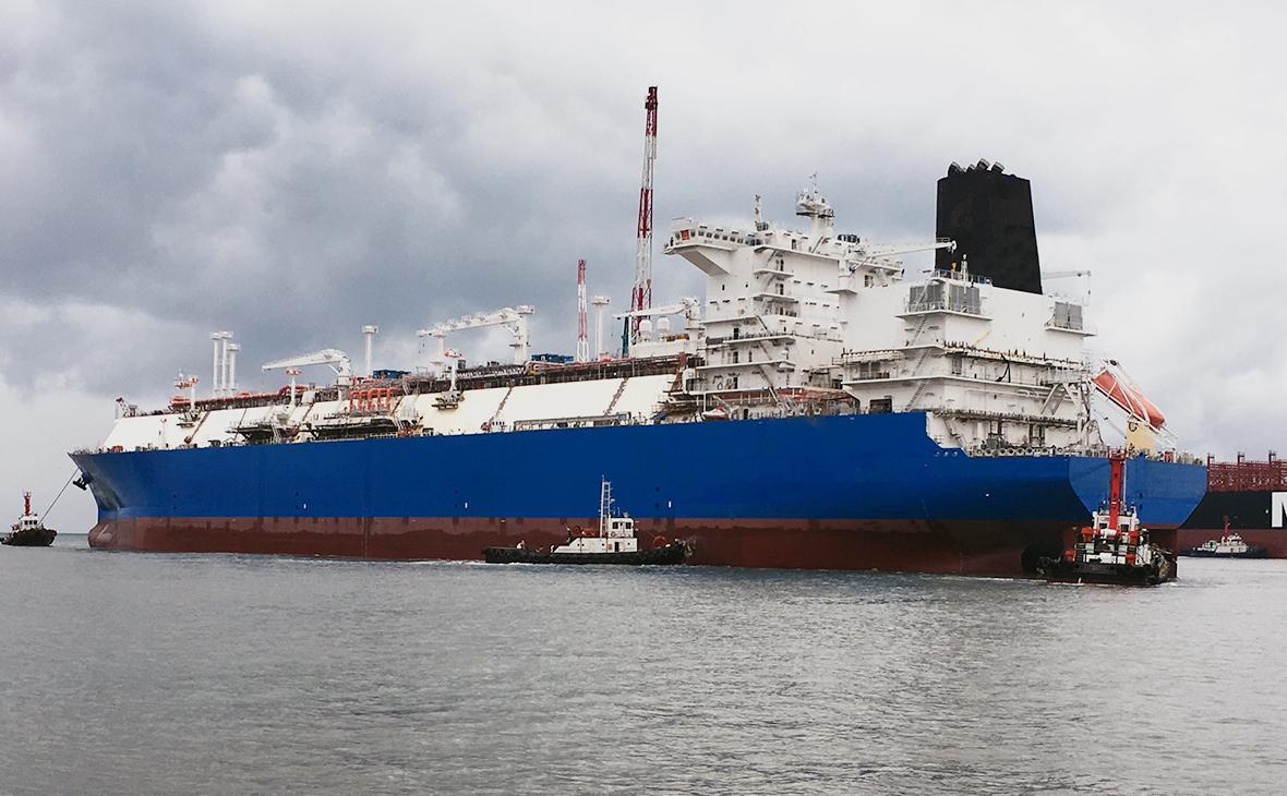 Регазификационное судно «Маршал Василевский»