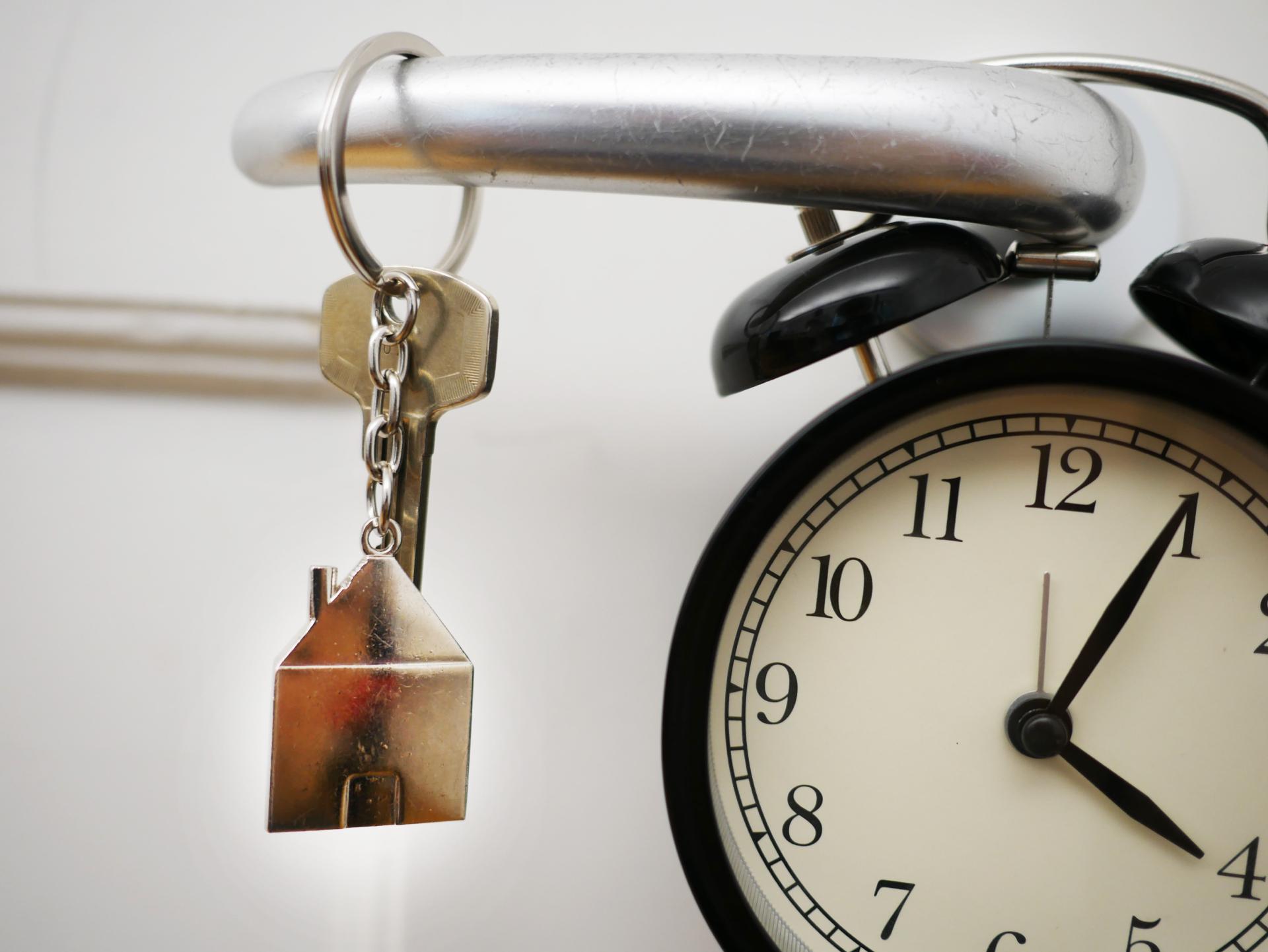 Если срок подачи документов был пропущен, оформлять наследство придется только через суд