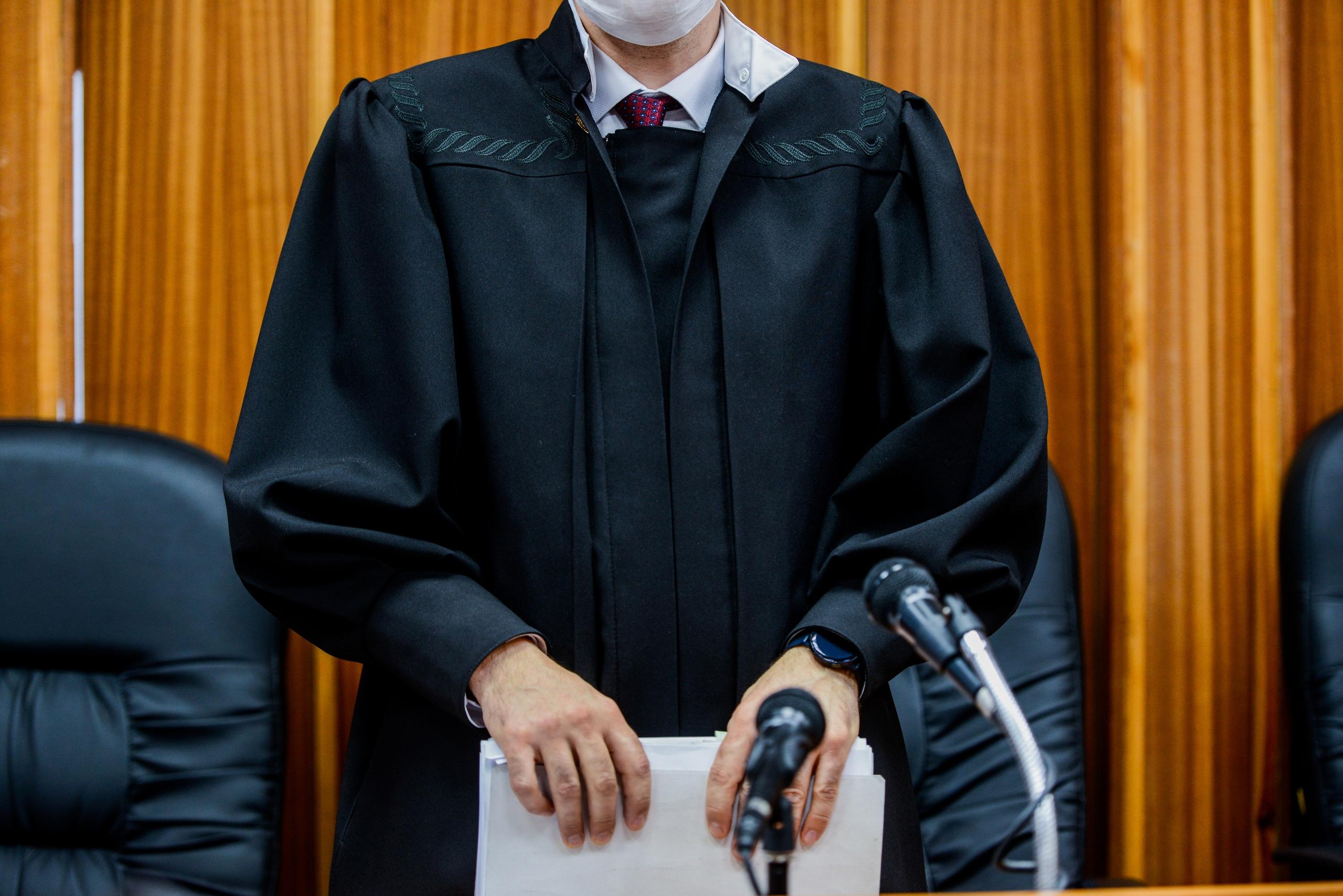 Суд удовлетворил требования органов опеки
