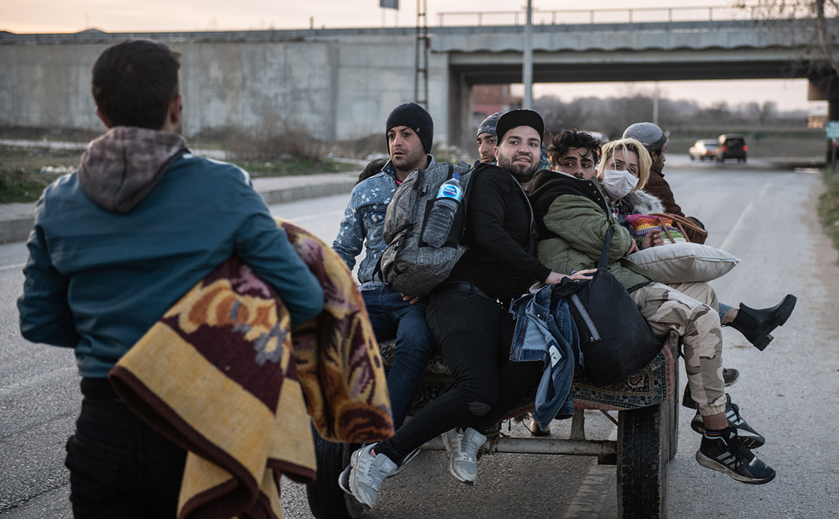 Мигранты на турецко-греческойгранице
