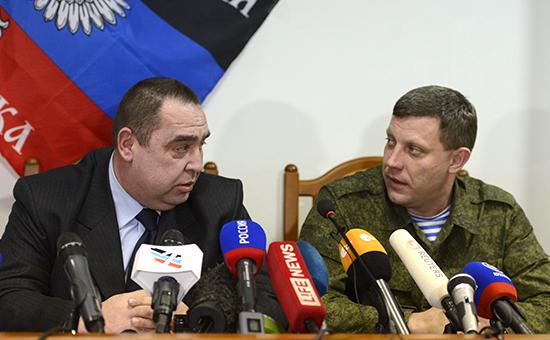 Глава ЛНР Игорь Плотницкий (слева), глава ДНР Александр Захарченко