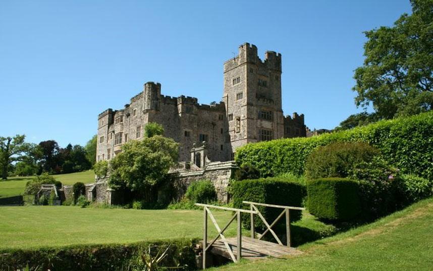 Продажа старинных замков в великобритании купить квартиру в кармиэле