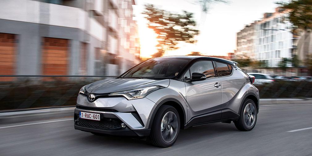 Toyota CH-R  Еще в начале года CH-R получил в России одобрение типа транспортного средства, но сроки начала поставок импортер пока держит в тайне. Предположительно, машина выйдет на рынок до конца года. Известно, что сертификаты получены как на модификацию с двигателем объемом 1,2 л (114 л.с.) и приводом на передние колеса, так и на полноприводную двухлитровую (150 л.с.) версию.