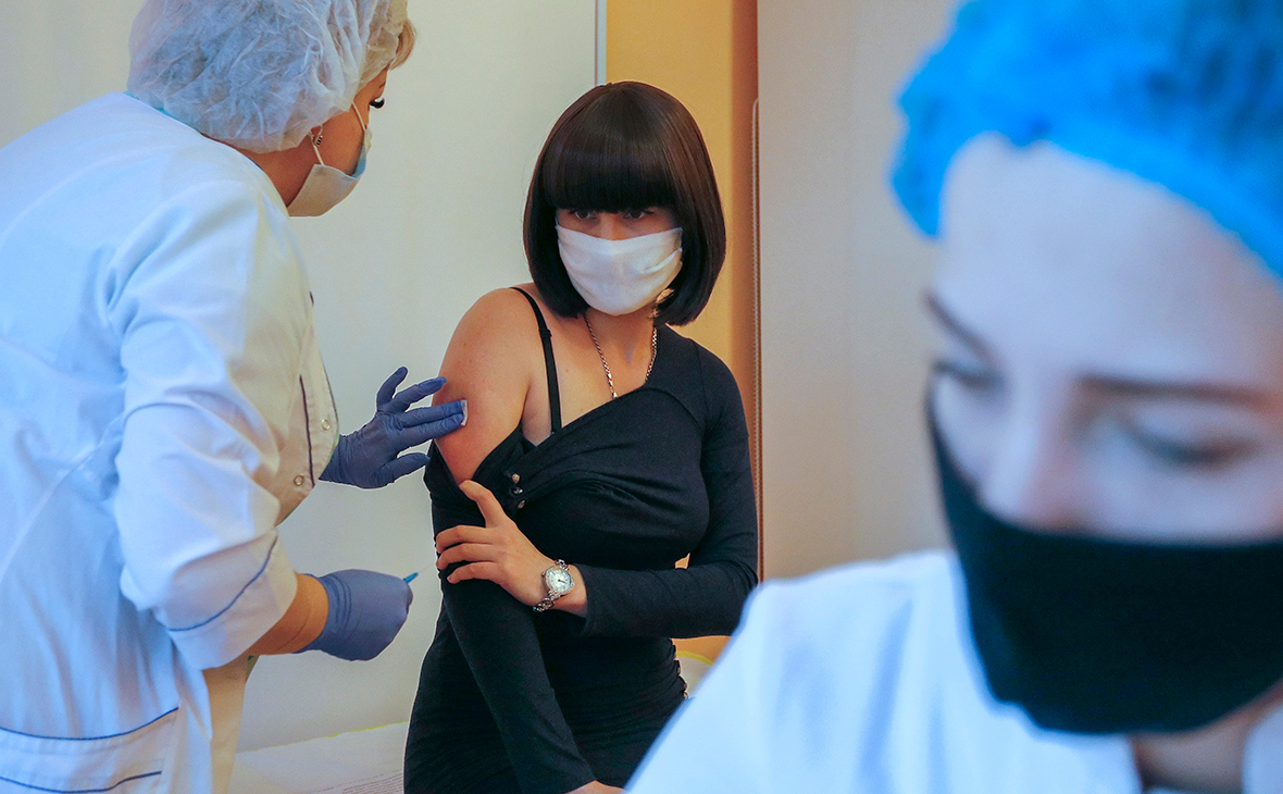 На Украине с задержкой началась вакцинация от COVID-19 :: Общество :: РБК