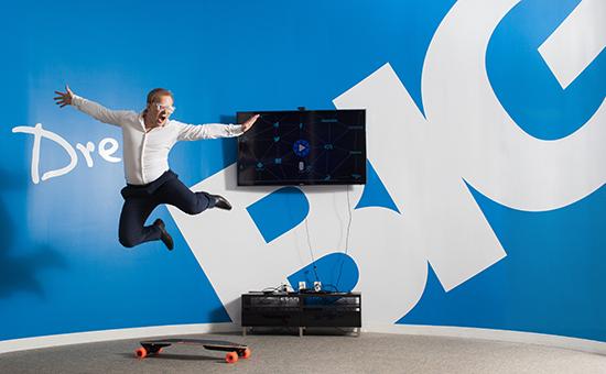Глава Virool Алекс Дебелов уверен, что бюджеты на видеорекламу плавно переходят с телевидения в интернет
