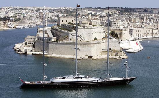Яхта Maltese Falcon у берегов Мальты. Архивное фото