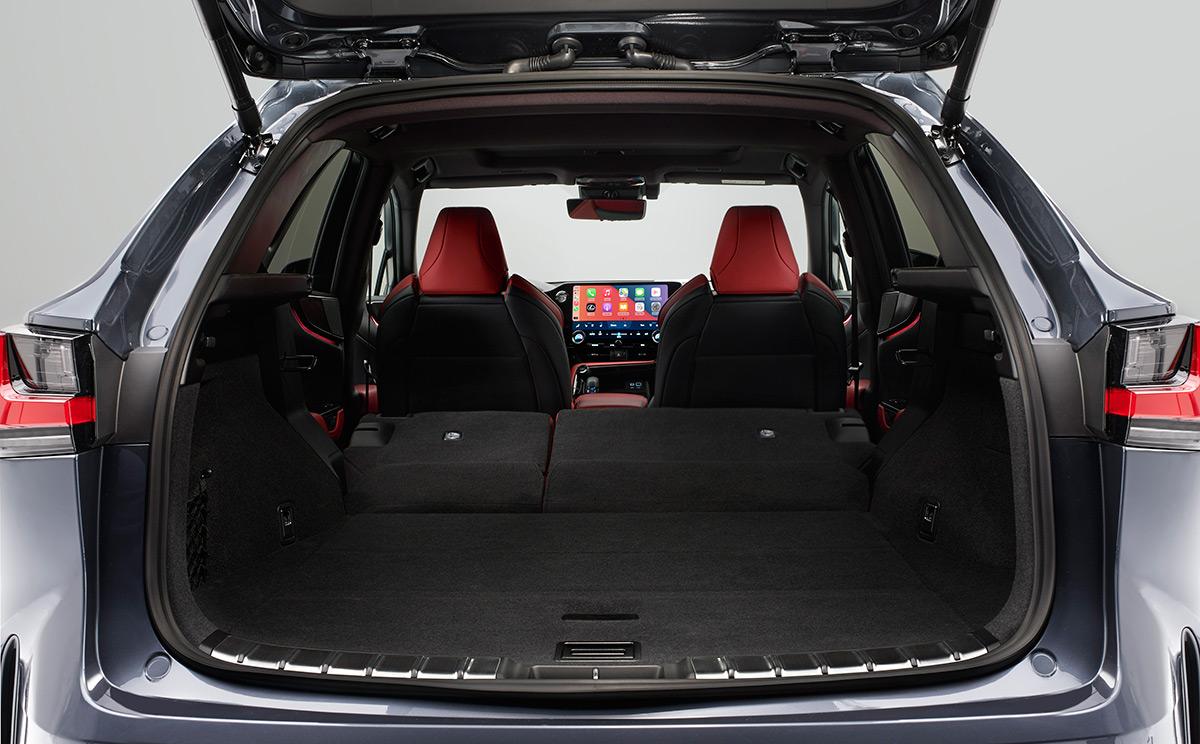 Салон нового Lexus NX 2021