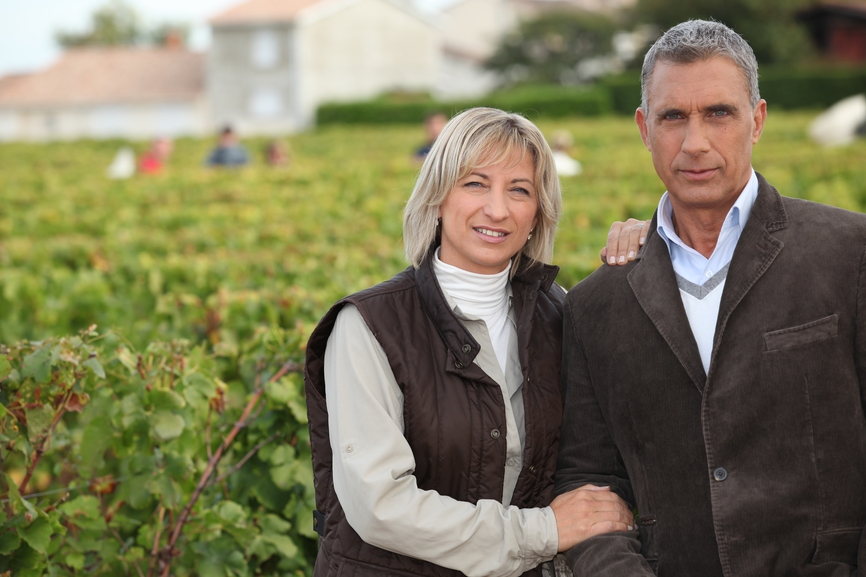 Обычно виноградники приобретают состоятельные люди в возрасте 40–50 лет с целью обеспечения своего досуга на пенсии и получения стабильного дохода. Также виноградники используются как место для отдыха с посещением три-четыре раза в год, при этом управление объектом доверяется профессиональным менеджерам