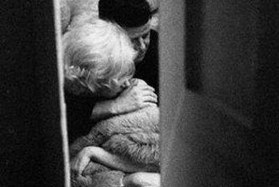 Двойники Мэрилин Монро и Джона Ф. Кеннеди на постановочных кадрах Элисон Джексон, 2001 год