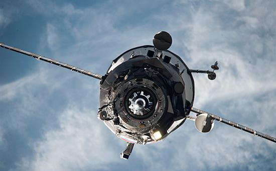 Вид на космический корабль «Прогресс» с МКС. Архивное фото