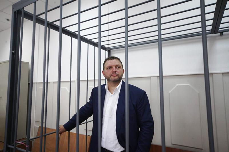 Губернатор Кировской области Никита Белых вБасманном суде. Июнь 2016 года