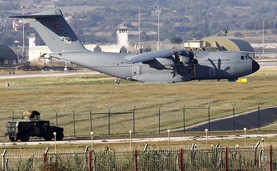Авиабаза ВВС Турции,откуда совершаются боевые вылеты (городАдананеподалеку от границы с Сирией)