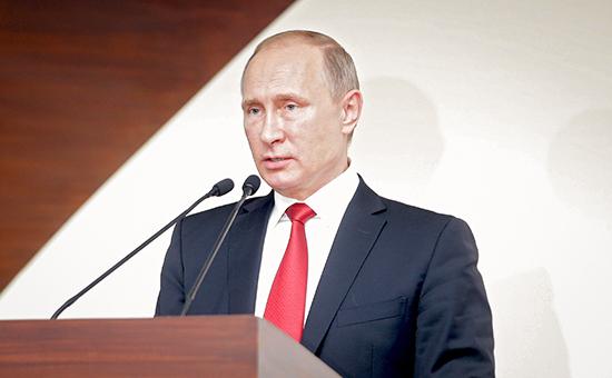 Президент России Владимир Путин насаммите лидеров БРИКС вИндии