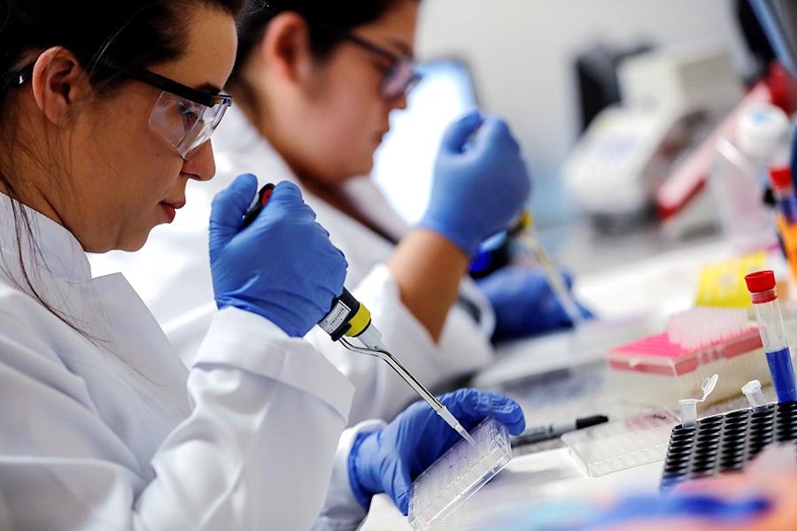 Разработка вакцины от коронавируса COVID-19 в лаборатории иммунологии Университета Сан-Паулу в Бразилии