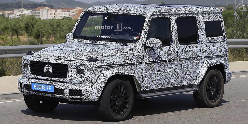 Mercedes-Benz G-Class  Должно приехать на мотор-шоу и долгожданное новое поколение G-Class. Традиционный для автомобиля дизайн, по предварительным данным, изменится незначительно, но машина получит аэродинамический обвес, который уменьшит коэффициент лобового сопротивления.