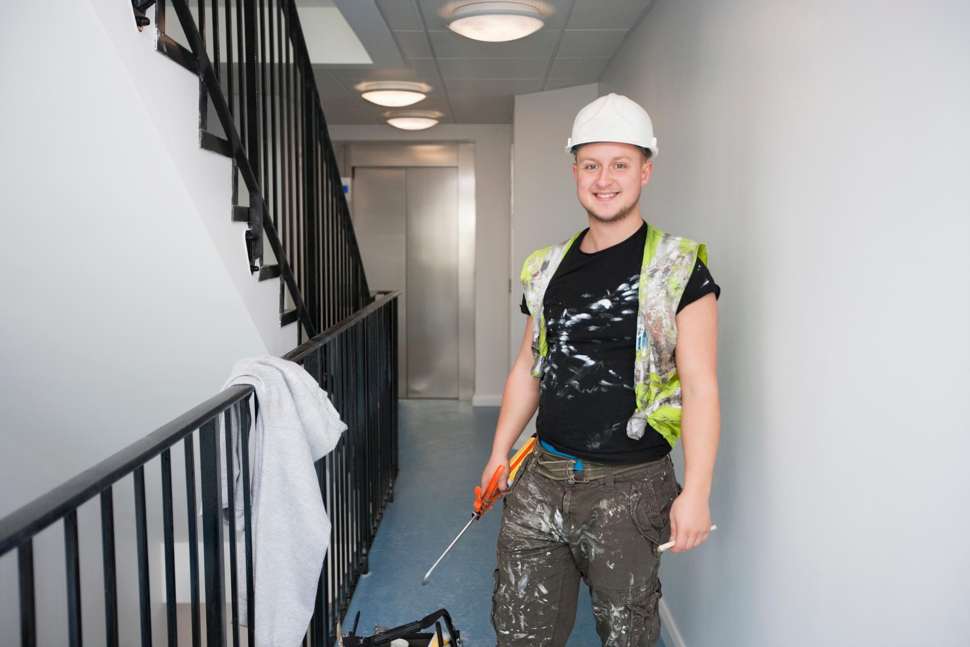 Большинство строительных специалистов востребованы летом