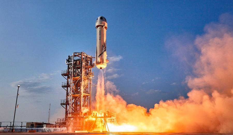 Запуск ракеты New Shepard с четырьмя гражданскими на борту с платформы в Восточном Техасе, июль 2021 года