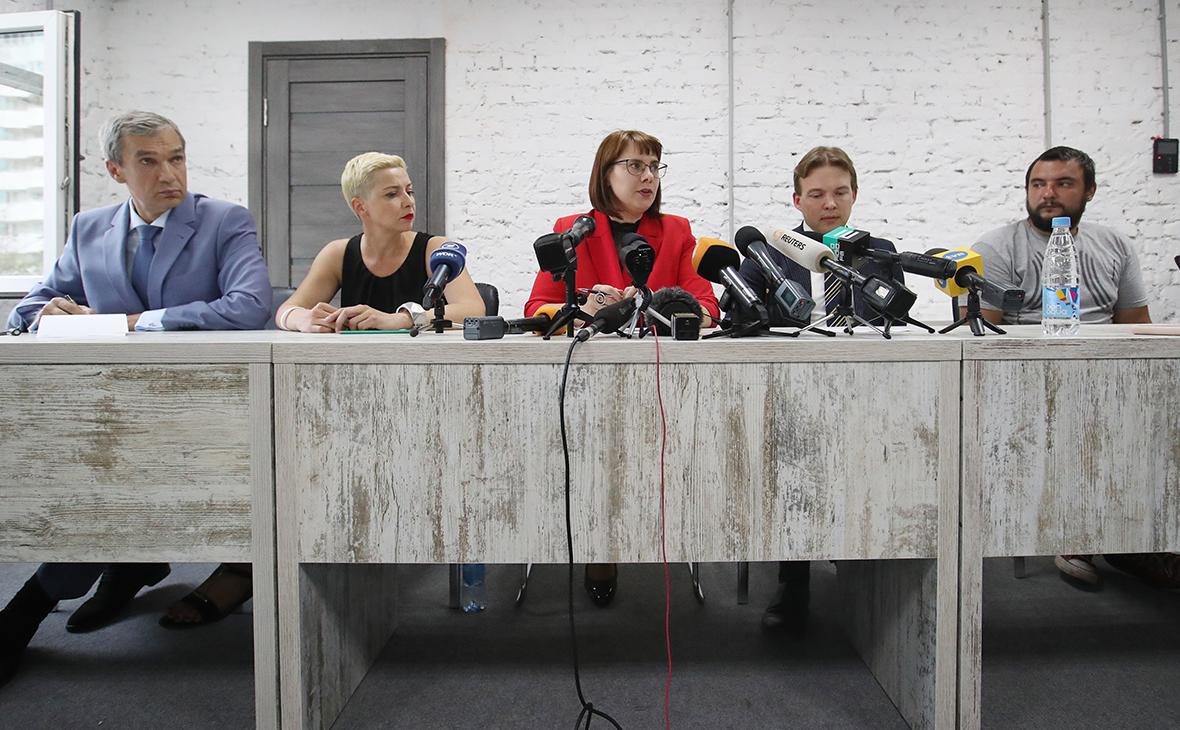 Павел Латушко, Мария Колесникова, Ольга Ковалькова, Максим Знак, Сергей Дылевский (слева направо)