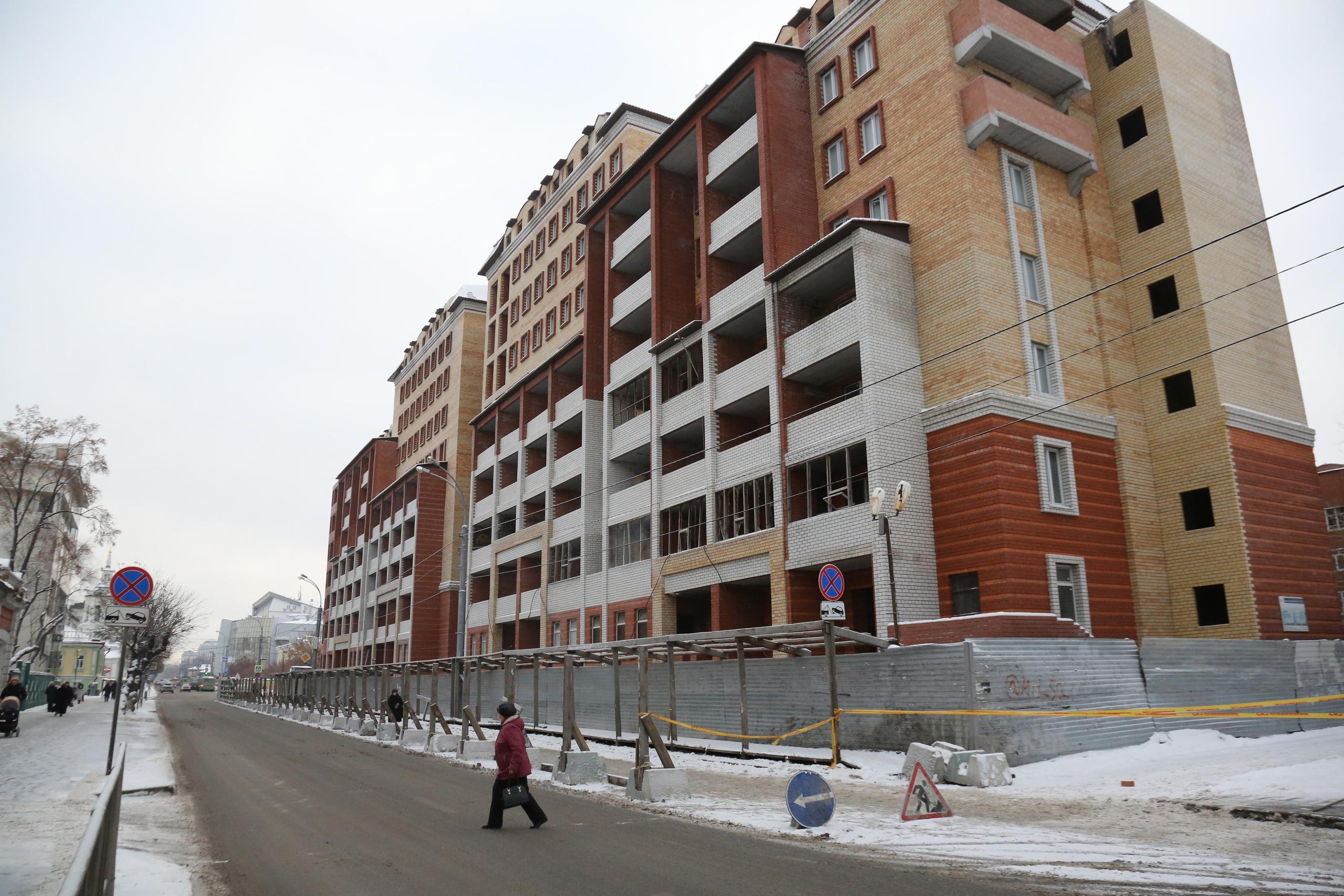 Снесенный дом, на месте которого будет располагаться сквер имени детского писателя