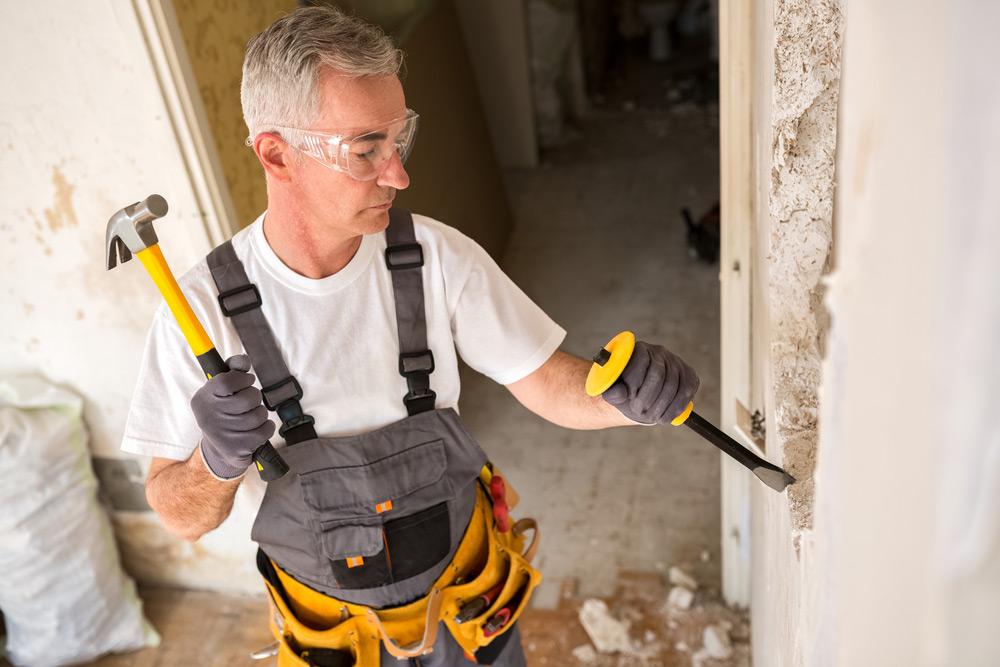 Снос стен при перепланировке возможен только при наличии плана и рассмотренного заявления