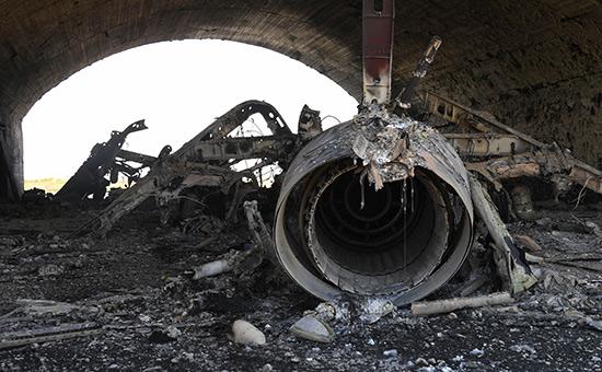 Последствия ракетного удара посирийской авиабазе Шайрат