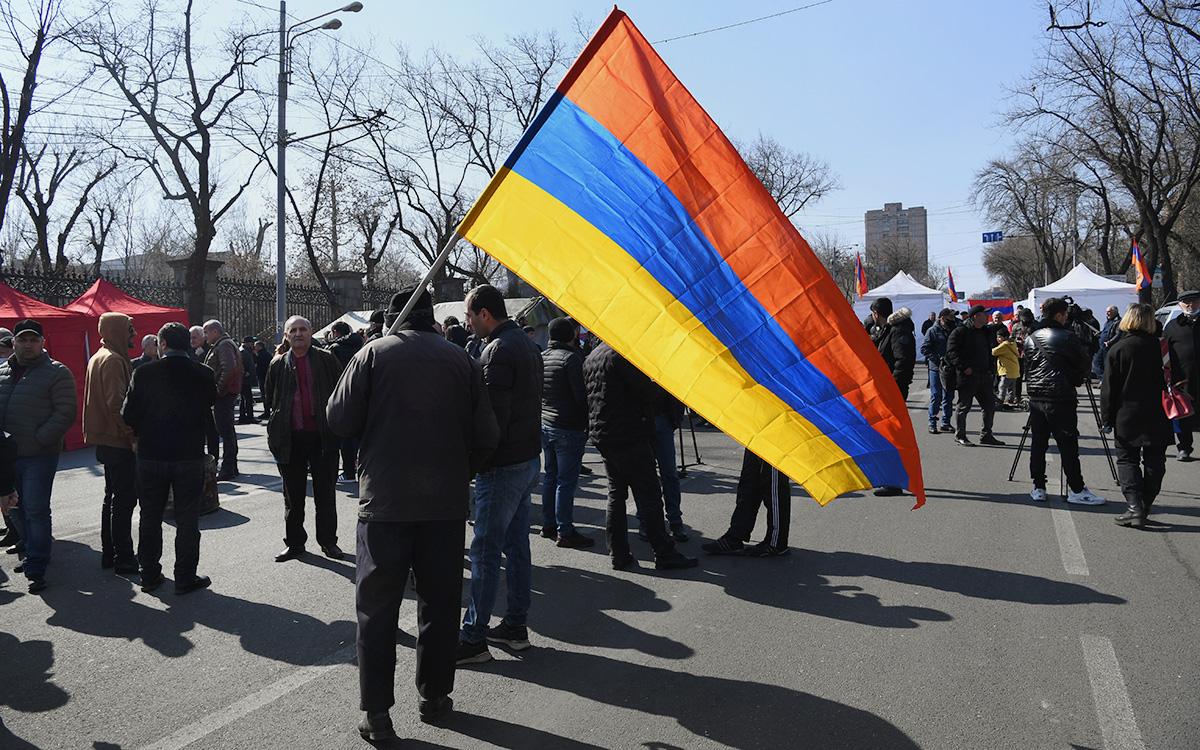 Протестный митинг у здания Национального собрания Армении в Ереване