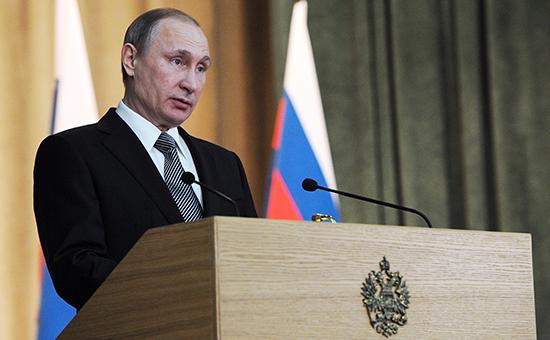 Президент России Владимир Путин нарасширенном заседании коллегии Генеральной прокуратуры 23 марта 2016 года