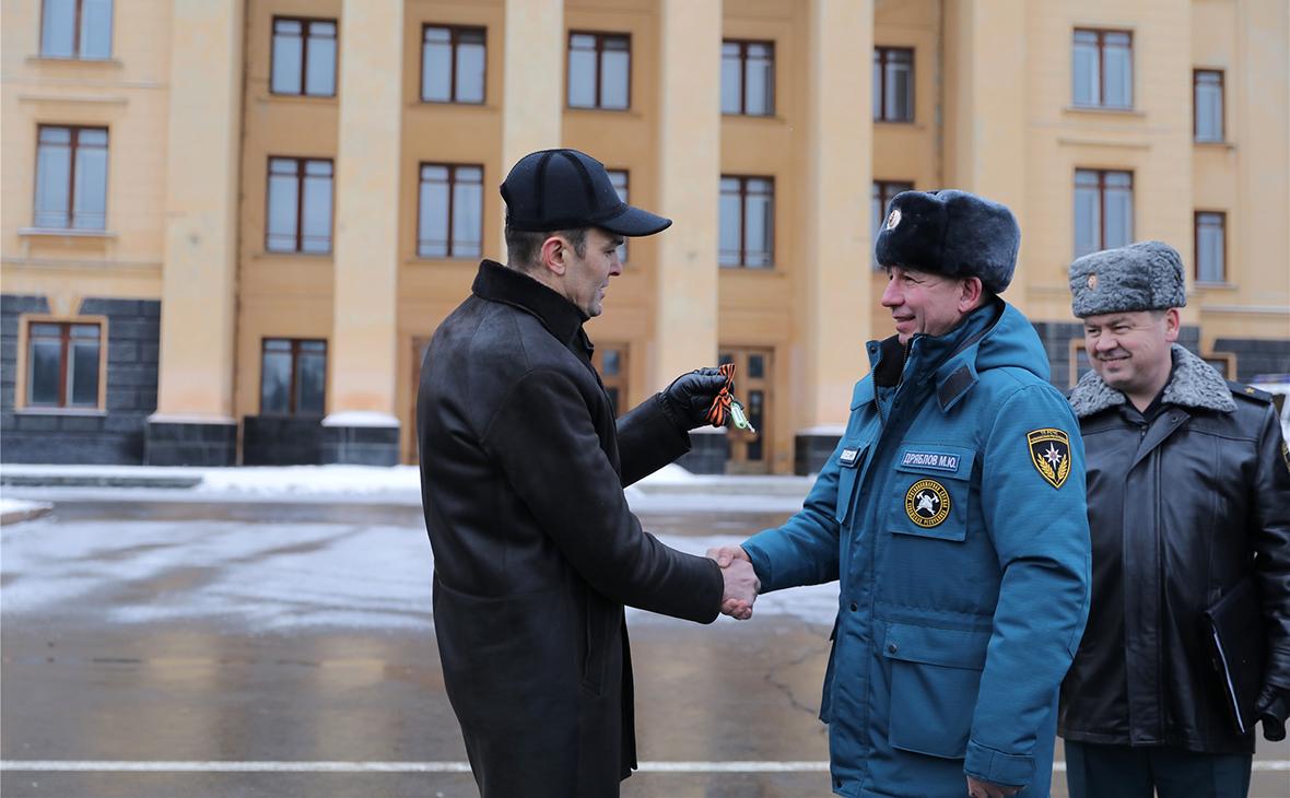 Михаил Игнатьев (слева)