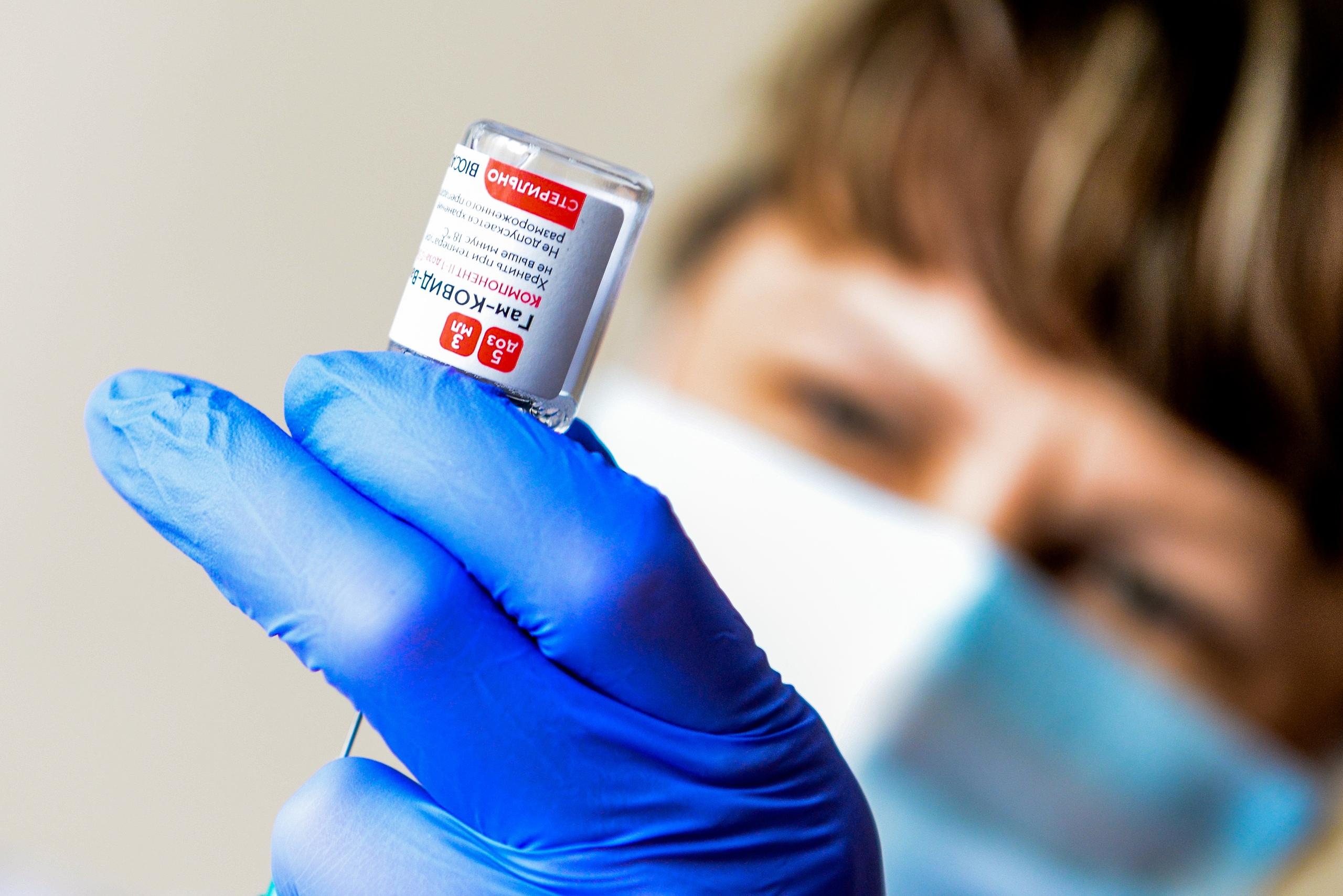 ДепутатАлексей Салминзаявил, что пора сделать вакцинацию принудительной.