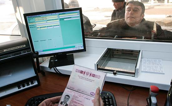 Паспортный контроль на российско-польском участке границы. Архивное фото