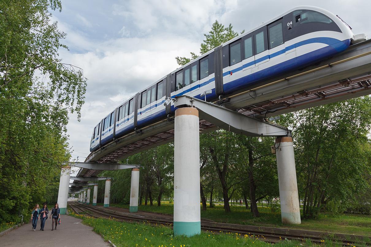 Единственная в столице монорельсовая транспортная система была запущена в 2004 году. После открытия МЦК монорельсом стало пользоваться втрое меньше пассажиров и содержать его оказалось невыгодно. В настоящее время поезда по нему ходят раз в тридцать минут