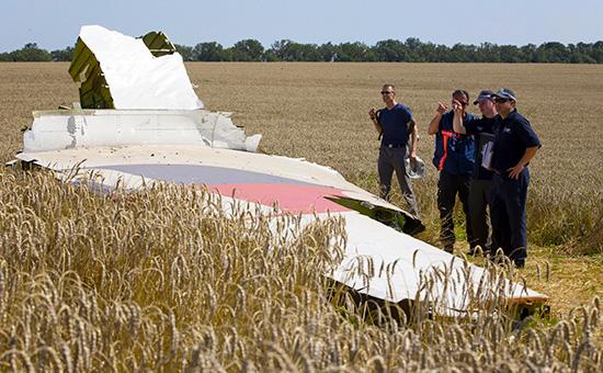 Обломки самолета Boeing 777, сбитого под Донецком. Архивное фото