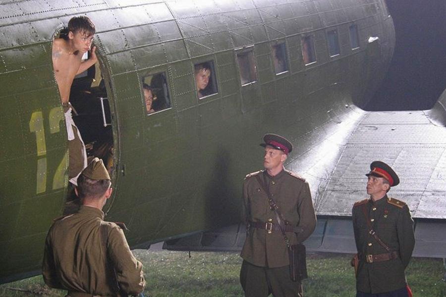 Фото:кадр из фильма «Сволочи»
