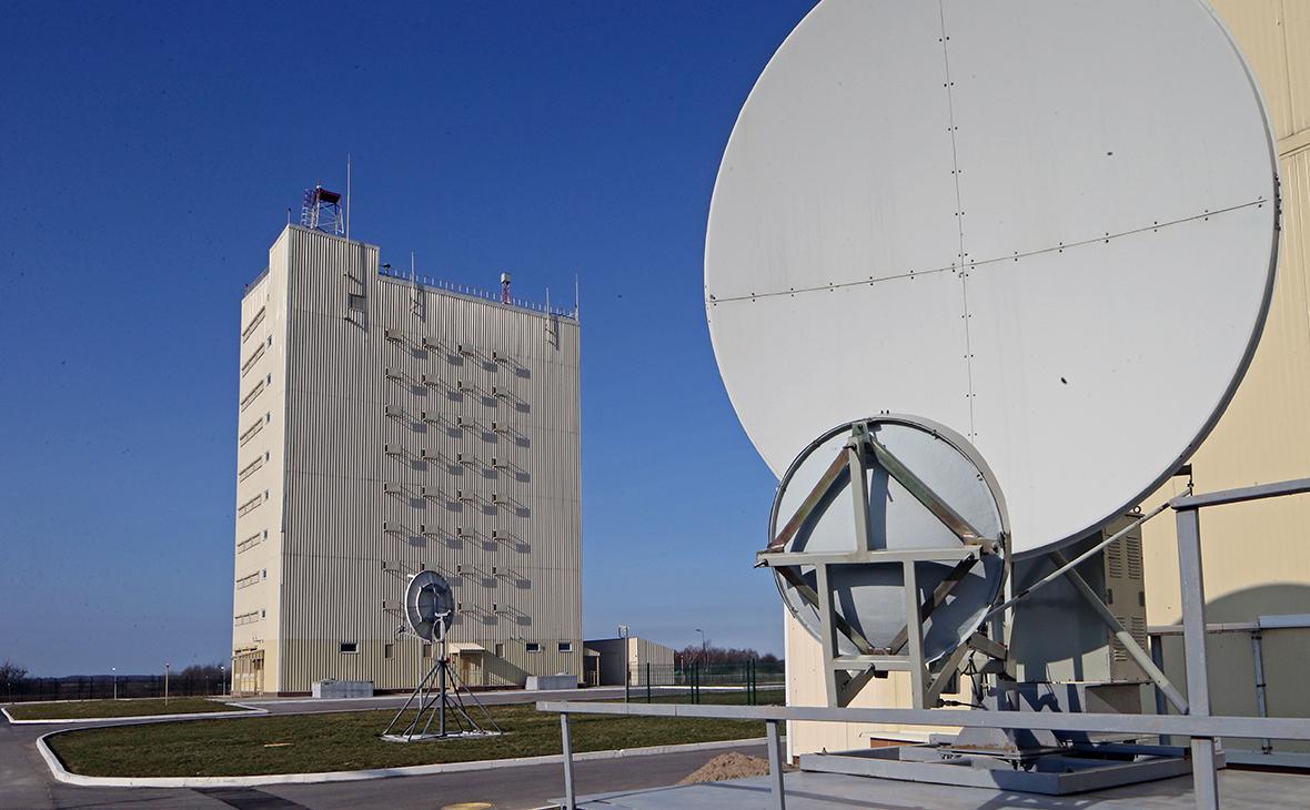 Радиолокационная станция «Воронеж»— российская надгоризонтная радиолокационная станция системы предупреждения о ракетном нападении высокой заводской готовности
